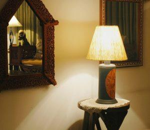 Podstawowe zasady kompozycji oświetlenia w salonie