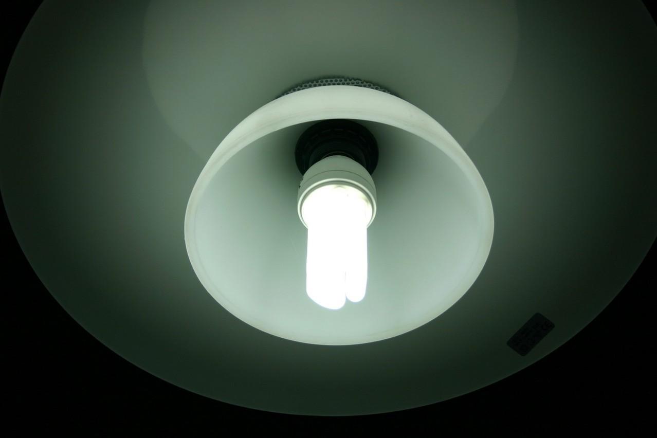 Sposoby na doświetlenie garażu podczas pracy